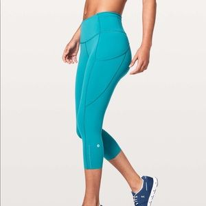 NWT Lululemon Fast and Free Crop